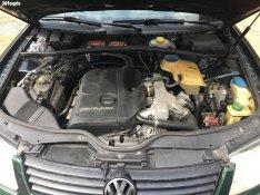 Volkswagen Passat 1.8 motor Alkatrészek(Nem Motor) generátor, stb