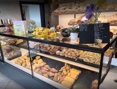 XXII.kerületi kavézó pékség eladót keres