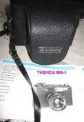 Yashica MG-1 fényképezőgép vakuval