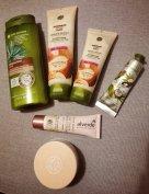 Yves Rocher kozmetikum csomag parfümmel + táska (új)