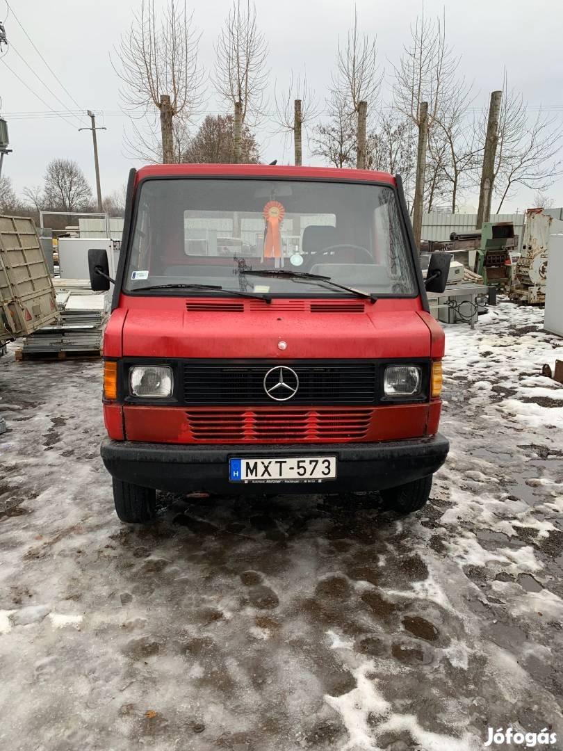 208-as Mercedes bontott alkatrészei, 1. Kép