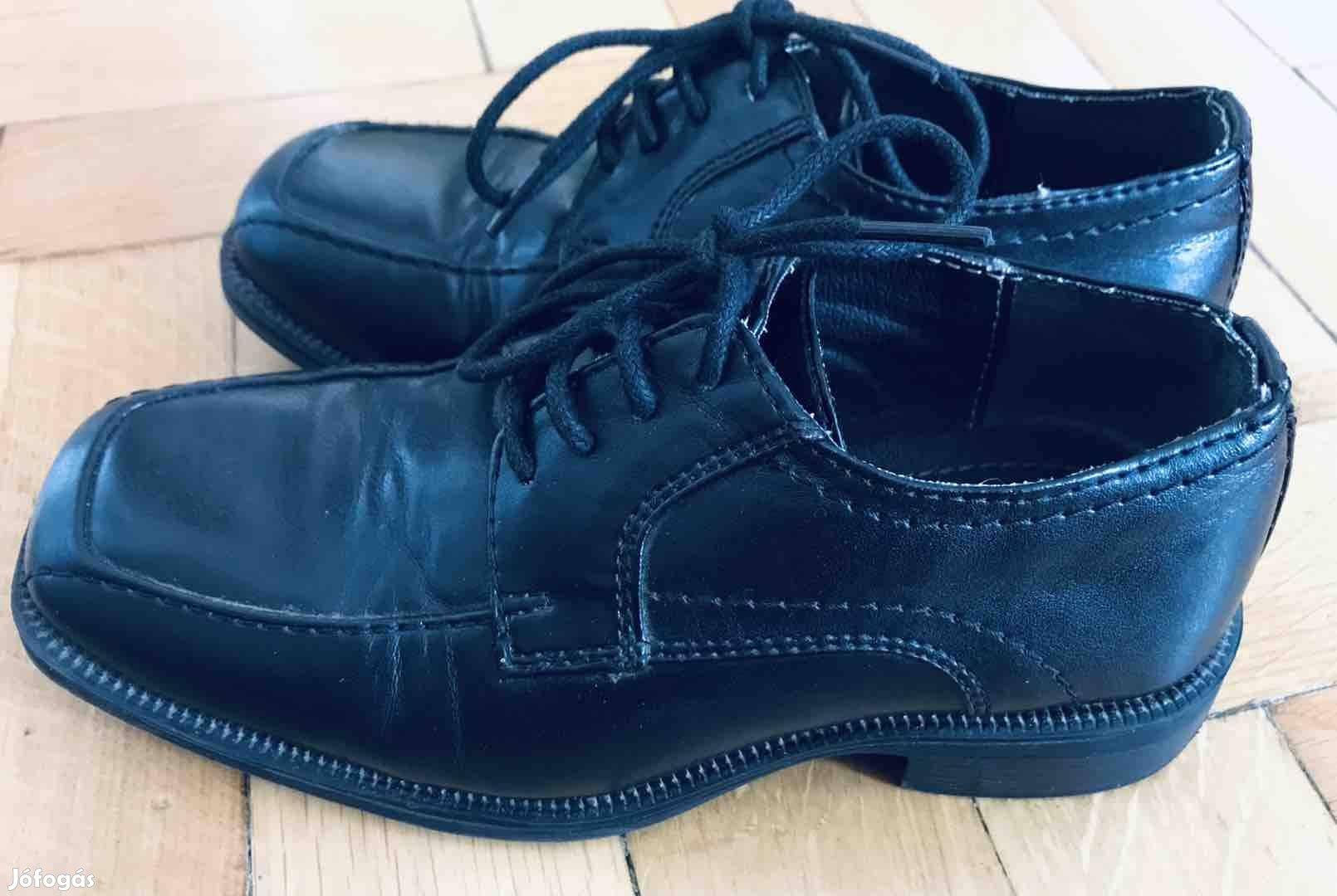 bf9324574d 31-es alkalmi Agaxy 2 x hordott bőr cipö eladó. - XIII. kerület ...