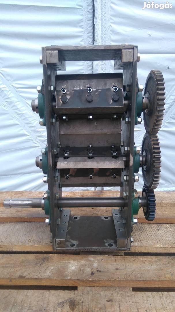 Ágaprító, ágdaráló, gallyaprító traktor hajtású egység eladó