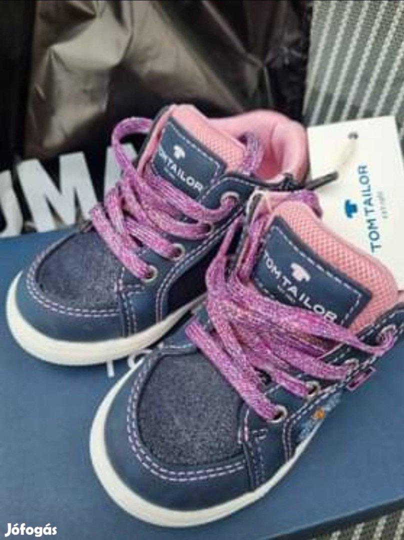 Akció! Új ! Csodaszép Tom Tailor márkás 21 kislány cipő