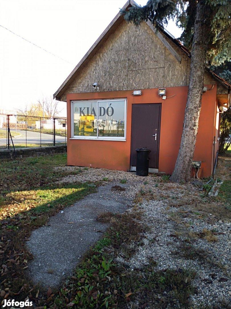 Bérelhető iroda+szabad terület a Fonoda udvarban