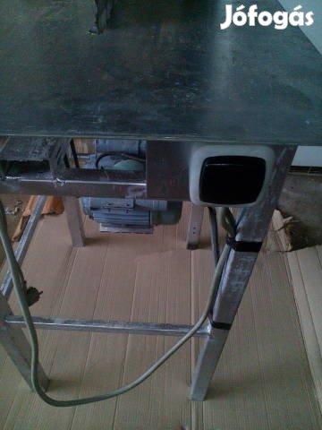 Eladó! Új asztali kőrfűrész! 50000Ft!