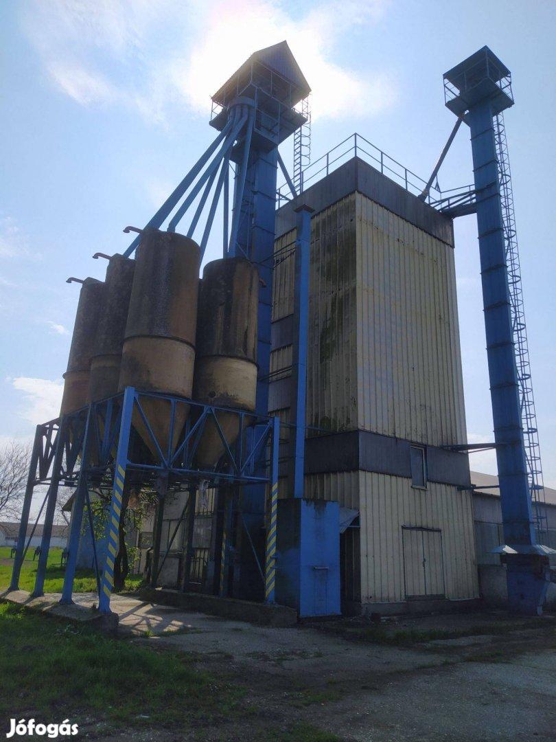 Eladó takarmánykeverő üzem ( technológia és acélszerkezet)