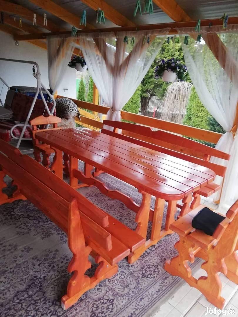 Eladó új tömör fenyő kerti bútor garnitura 10 személyes