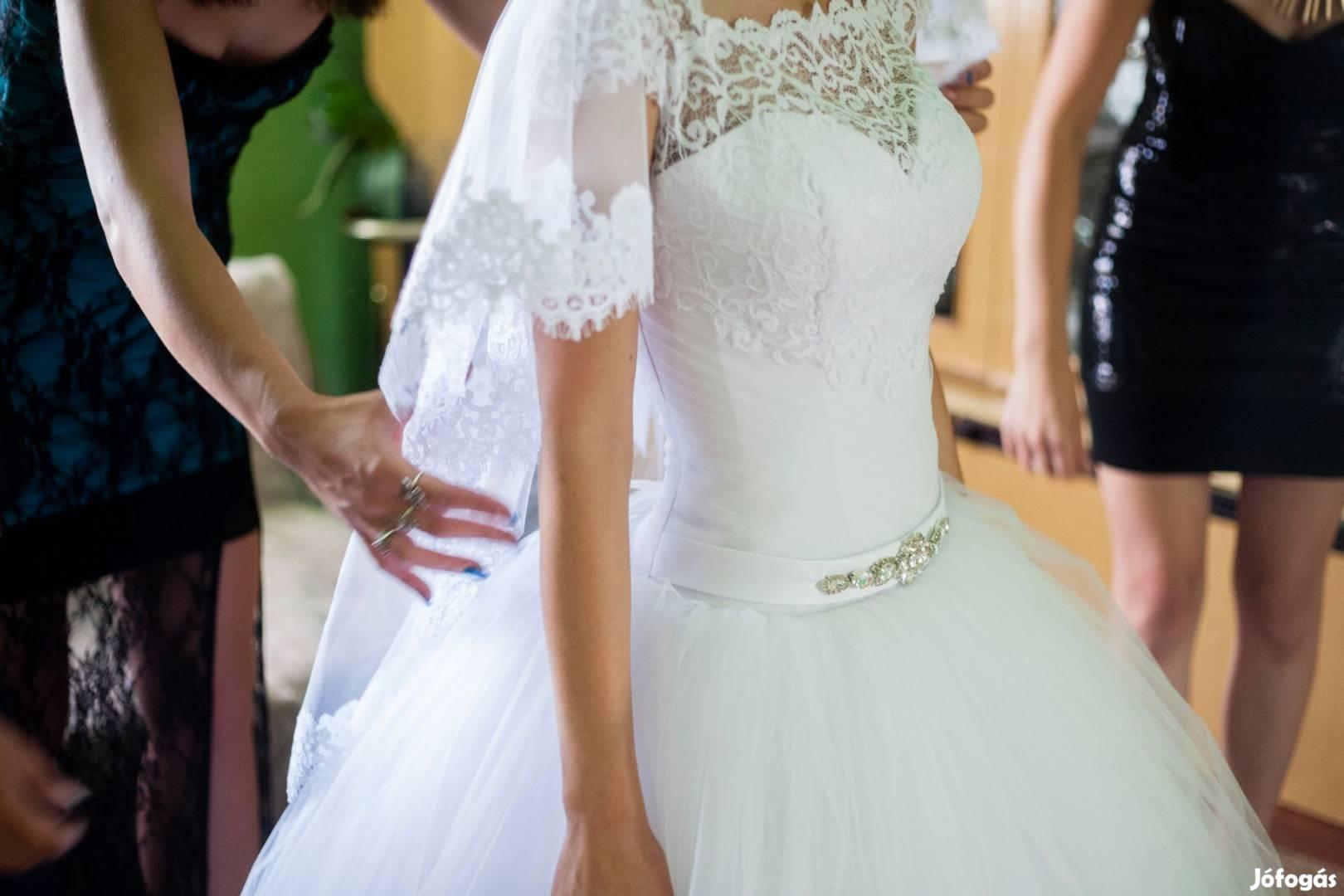 Esküvői ruha+kiegészítők - XVIII. kerület ca9cfad44e