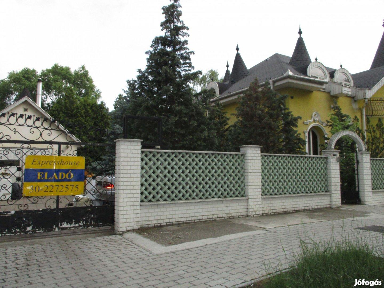 Exkluzív családi ház eladó!
