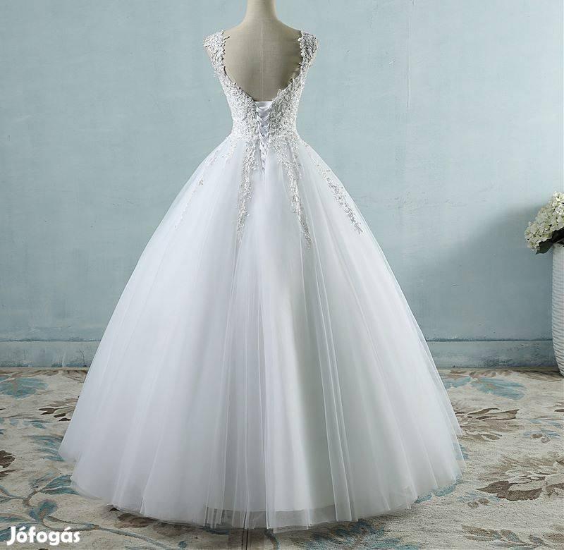 36df76892b Fehér és ekrü színben is több méretben menyasszonyi szalagavatós ruha, 3.  Kép