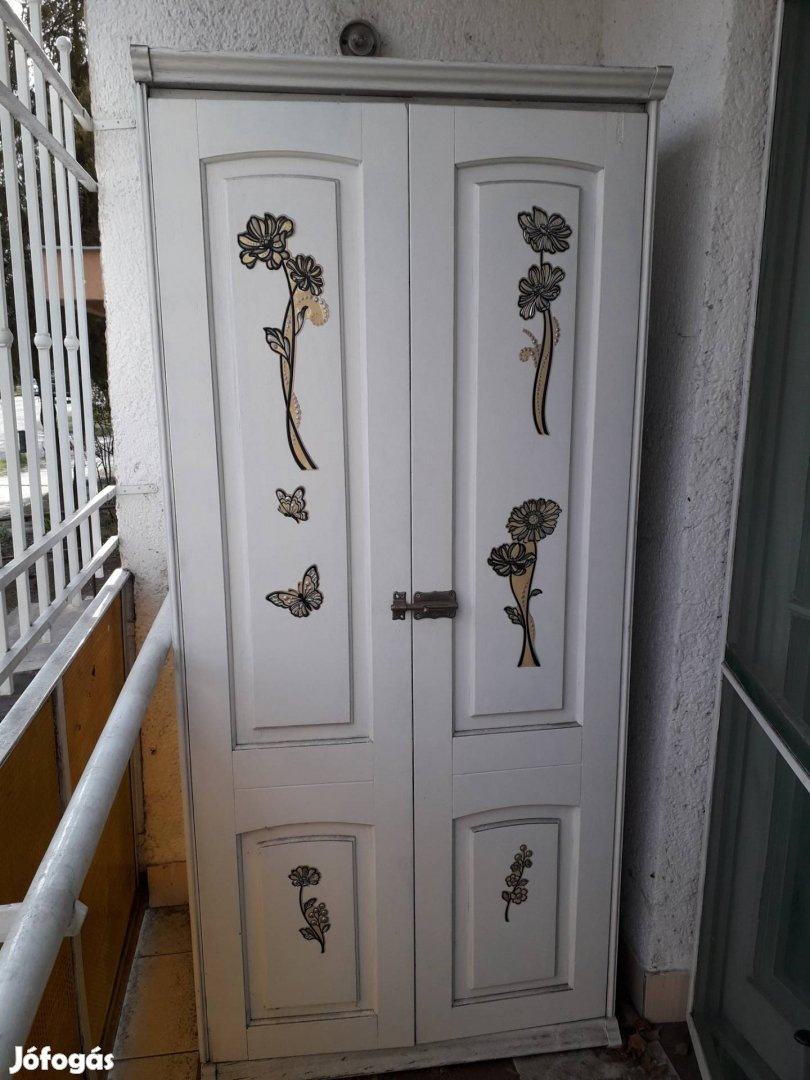 Fehér két ajtós vintage szekrények, 1. Kép