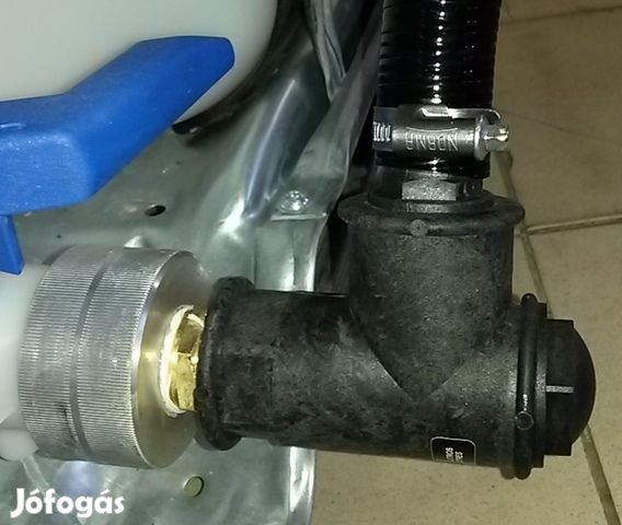 Gázolaj szivatyú, 12V. IBC tartályra szerelhető kimérő