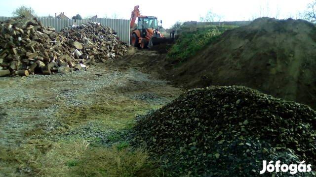 Gépi földmunka, épület bontás. ház bontás Baján és környékén