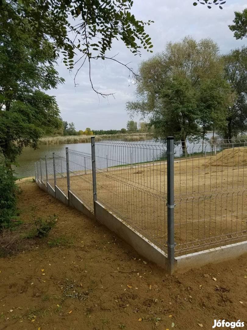 Horgonyozott Drótkerítés Vadháló Drótháló Kerítés Építés Kerítésdrót