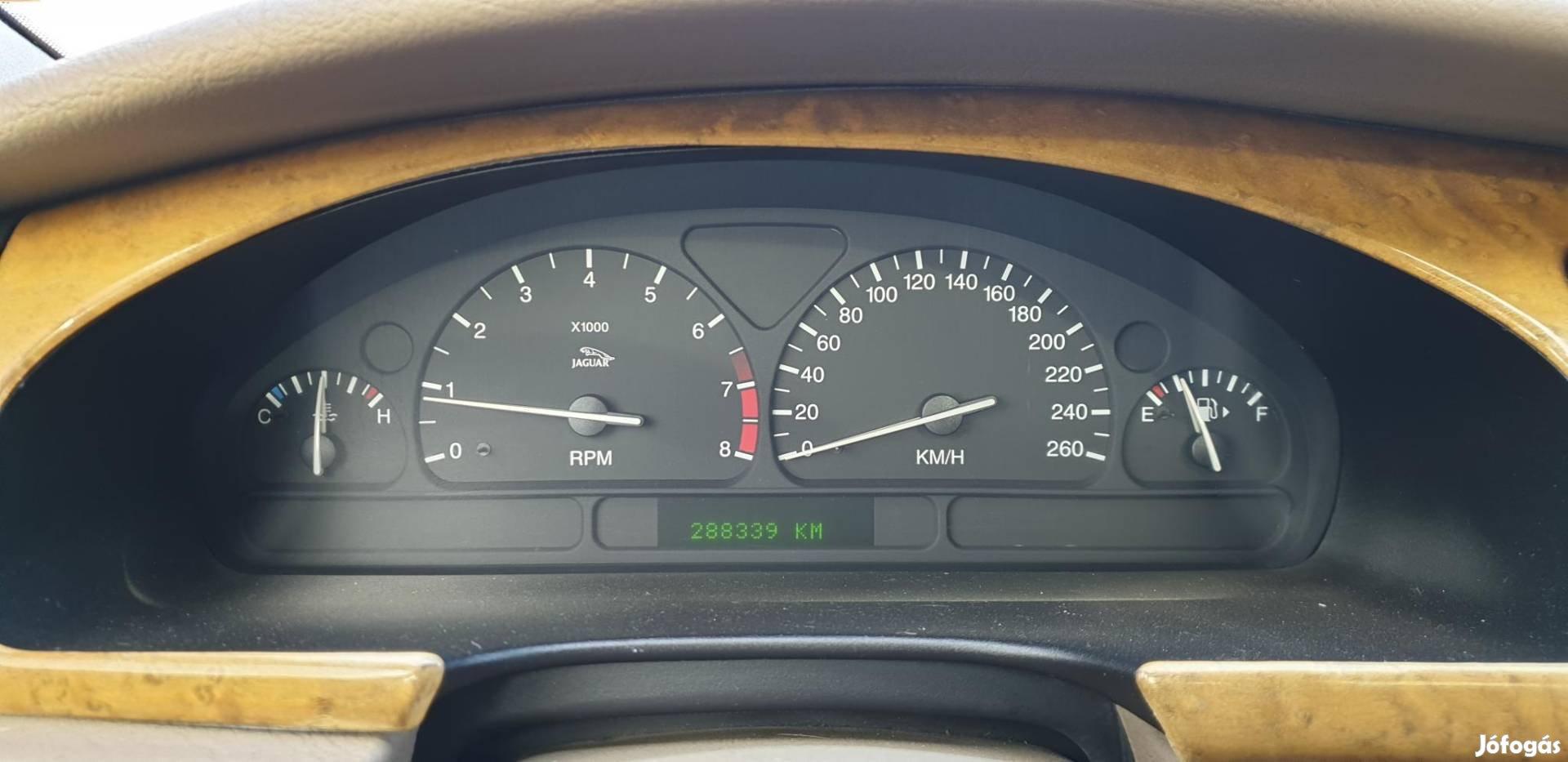 Jaguar S-Type 3.0 V6 foglalkozós. 2 autó 1 áráért!