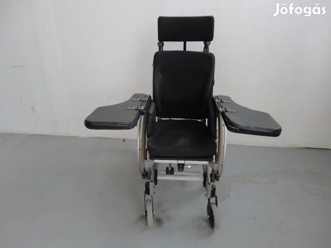 Kerekesszék kerekes toló ápolási szék tolószék tolókocsi rokkantkocsi