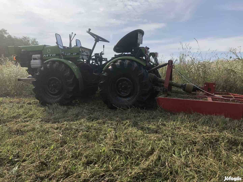Kistraktor  traktor  kertigep  Tz4k  parlagfűirtas