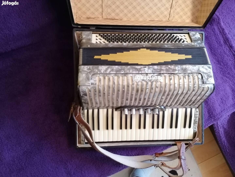 Kiváló Buttstadt márkájú 120B.tangoharmonika eladó