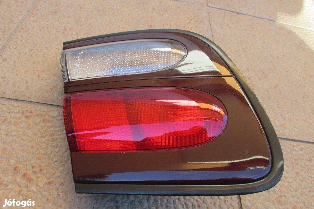 Nissan Almera N15 hátsó lámpa, bal belső, 1998-2000 között