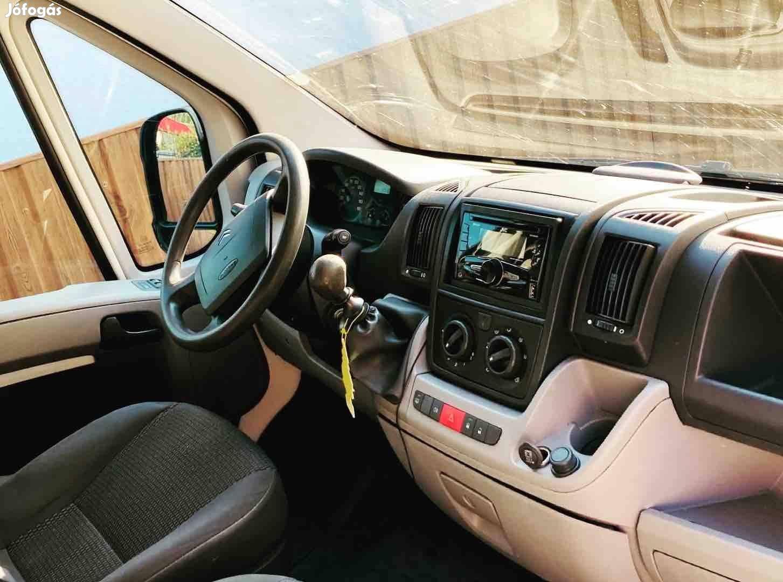 Nyíregyházán kisteherautó bérlés,kisbusz bérelhető