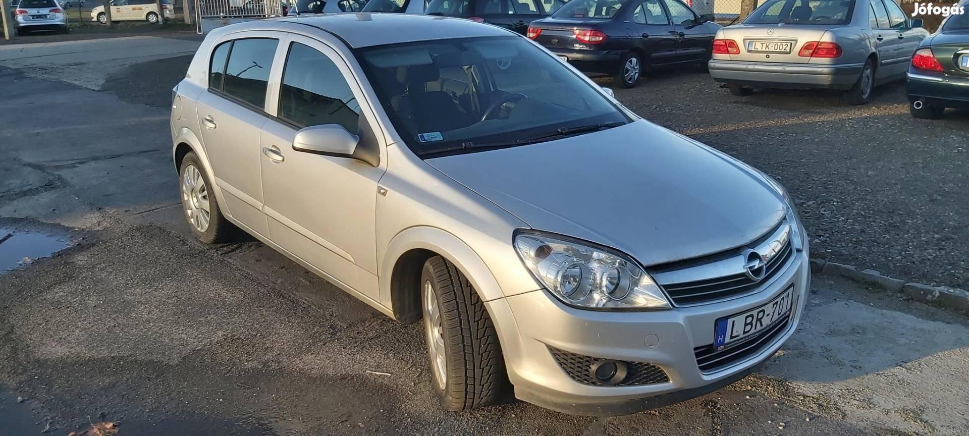 Opel Astra 1.4 Essentia Easytronic valós futás....
