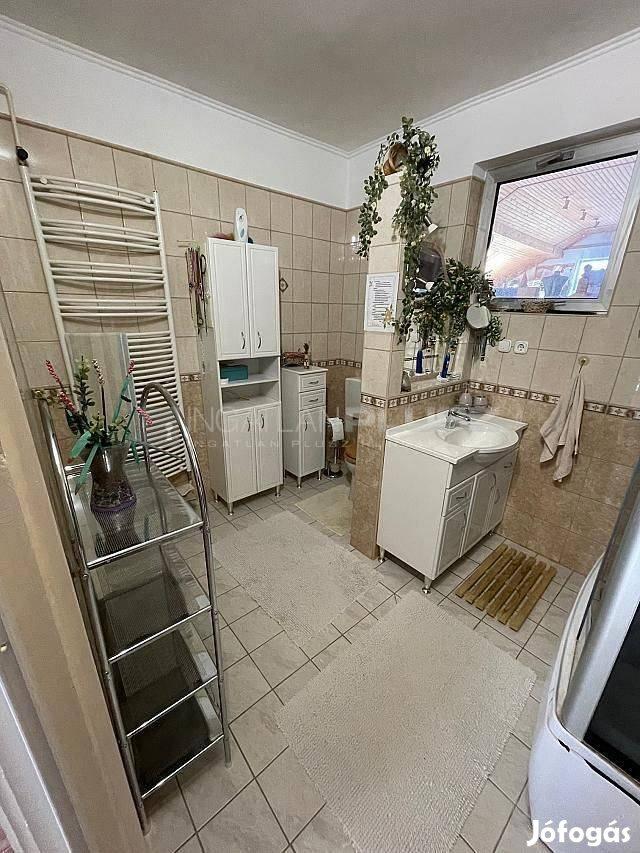 Öreghegyen eladó családi ház