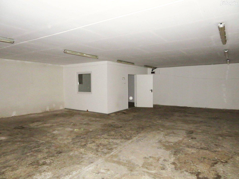 Oroszlányban 310 m2 raktár kiadó