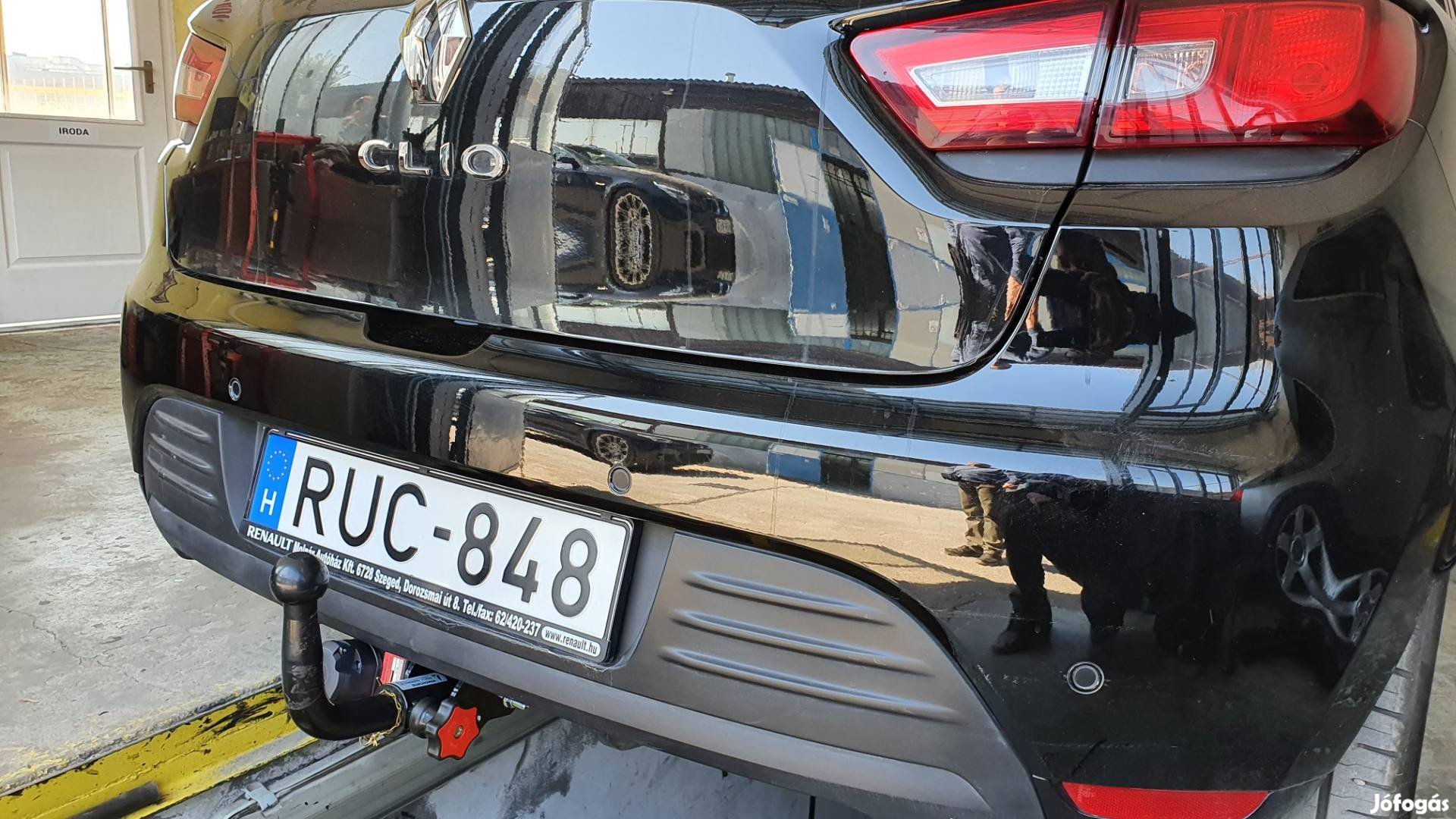 Renault Clio vonóhorog