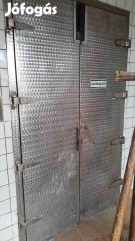 Saváló ipari ajtó
