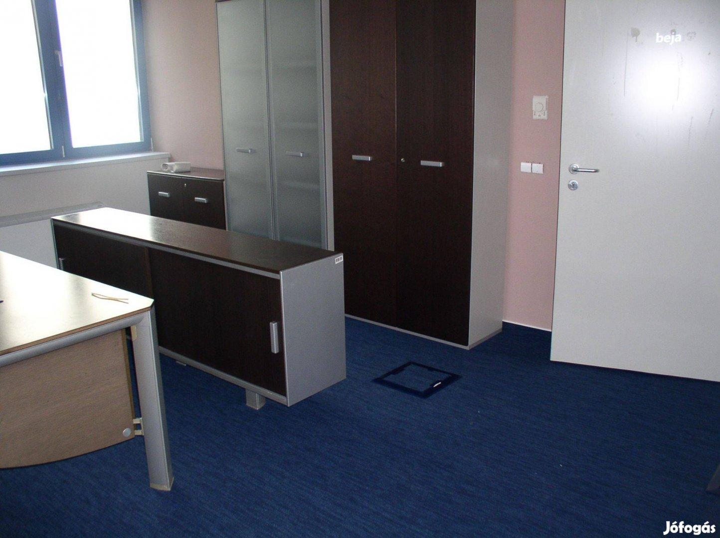 Szeged belvárosi 108 m2 földszinti utcafronti iroda kiadó