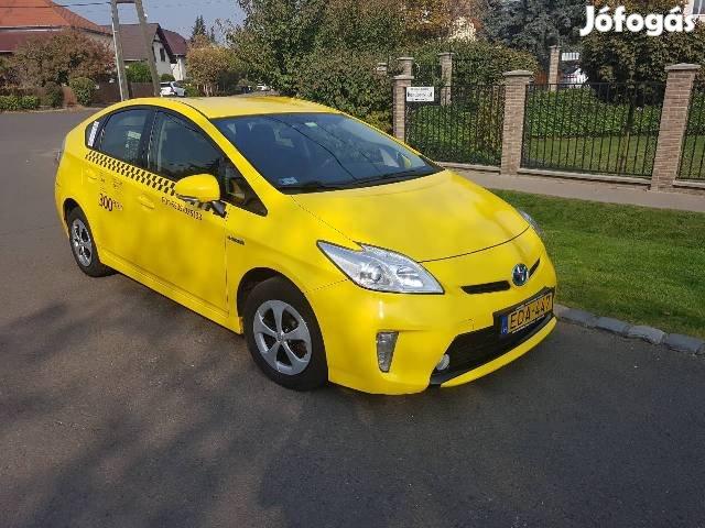 Taxi Kiadó!Toyota Prius Hybrid Taxisofőröket felveszünk!, 3. Kép