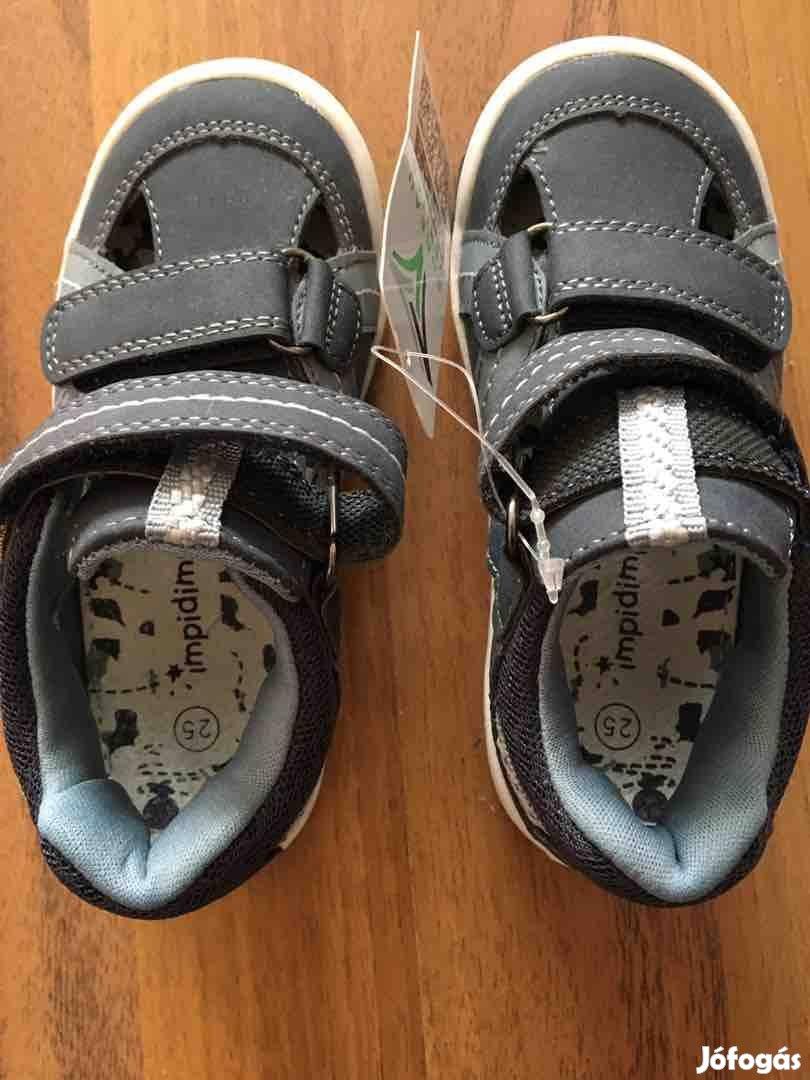 Teljesen új impidimpi 25 ös szandál eladó akár benti cipőnek
