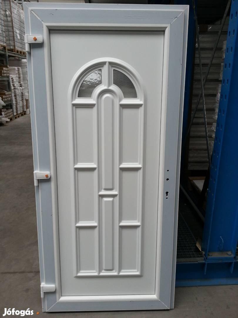 Többféle mintázatú bejárati ajtó ingyen szállítva már 48.900-tól, 8. Kép