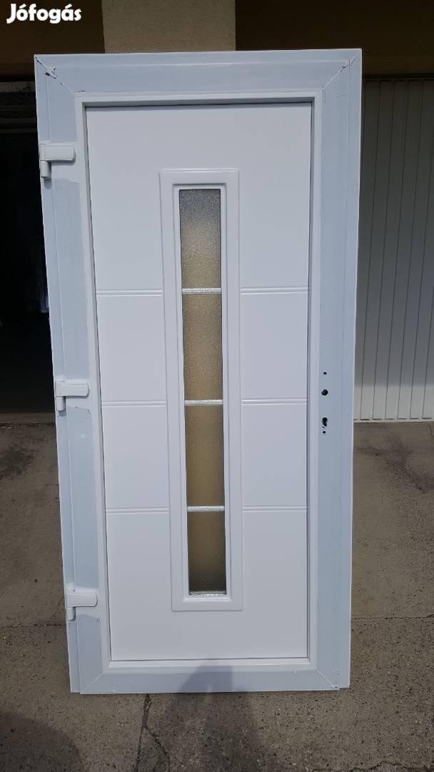 Többféle mintázatú bejárati ajtó ingyen szállítva már 48.900-tól, 9. Kép