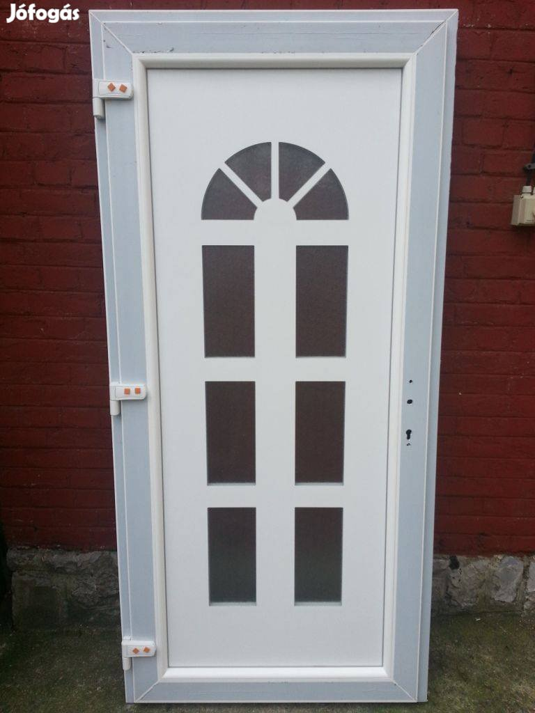 Többféle mintázatú bejárati ajtó ingyen szállítva már 48.900-tól, 3. Kép