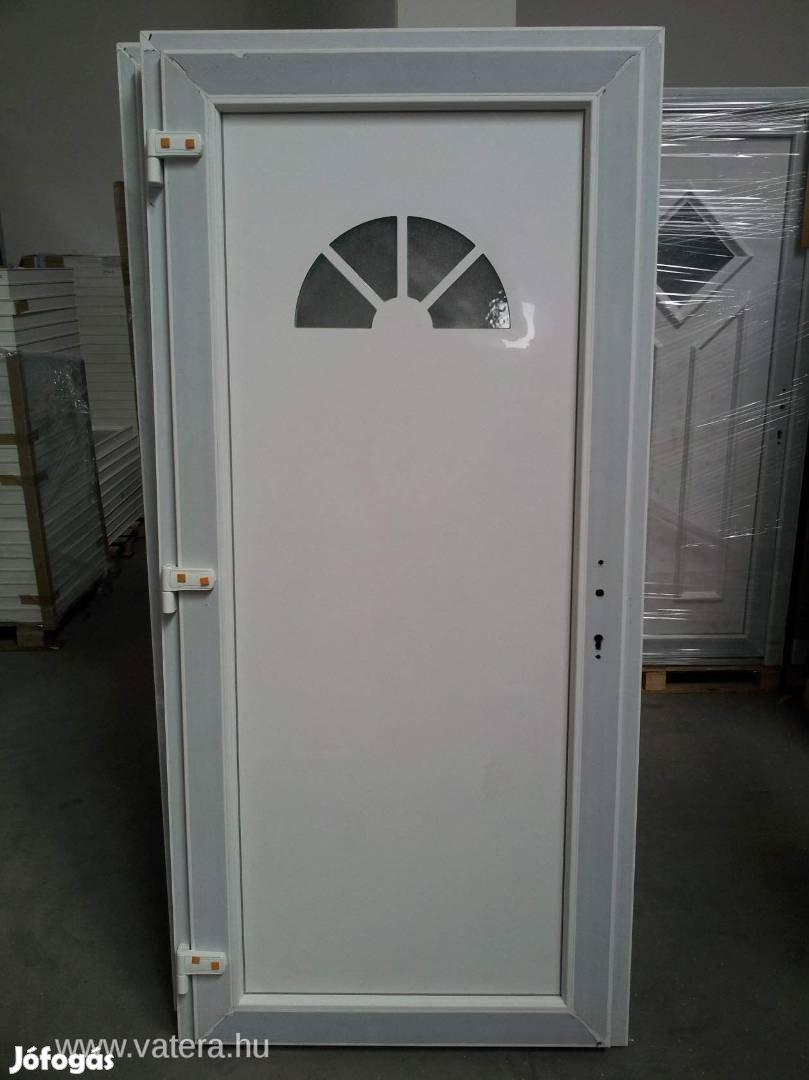 Többféle mintázatú bejárati ajtó ingyen szállítva már 48.900-tól, 2. Kép