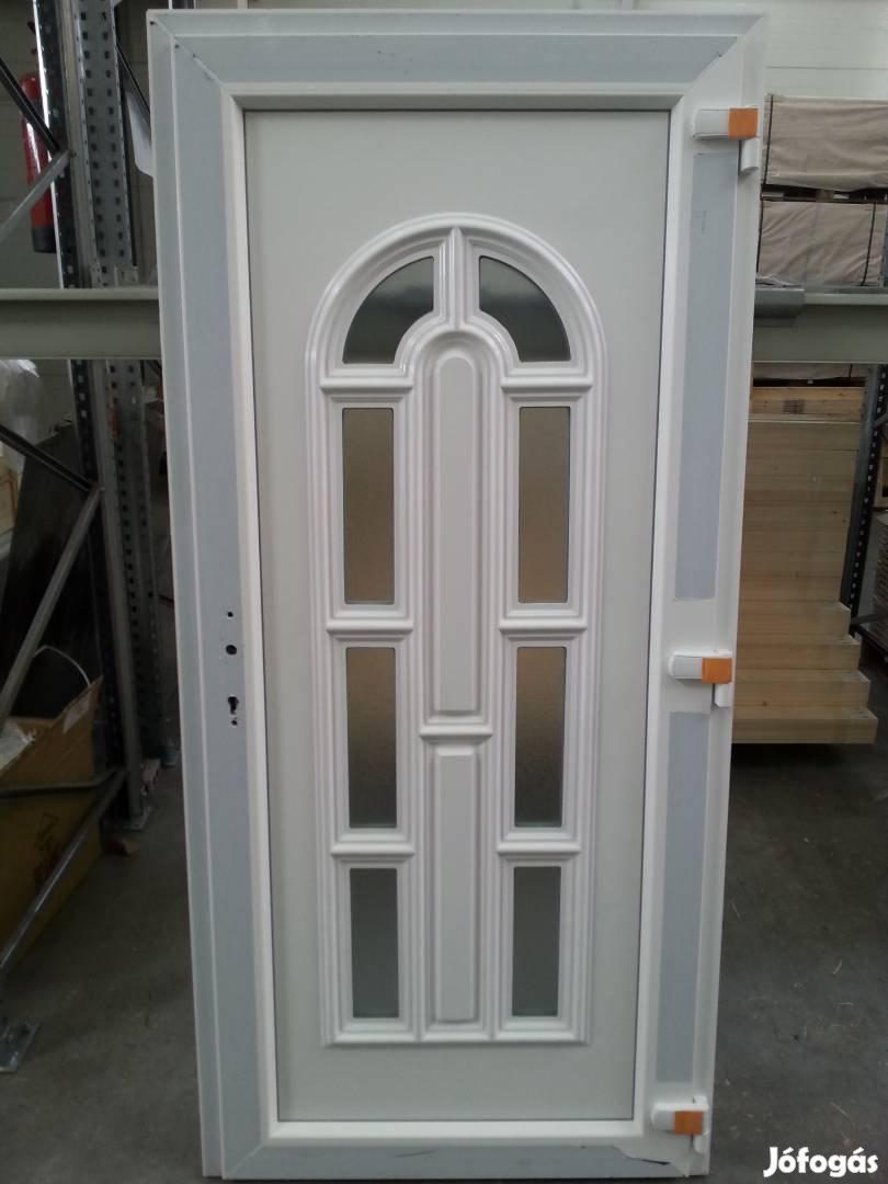 Többféle mintázatú bejárati ajtó ingyen szállítva már 48.900-tól, 10. Kép