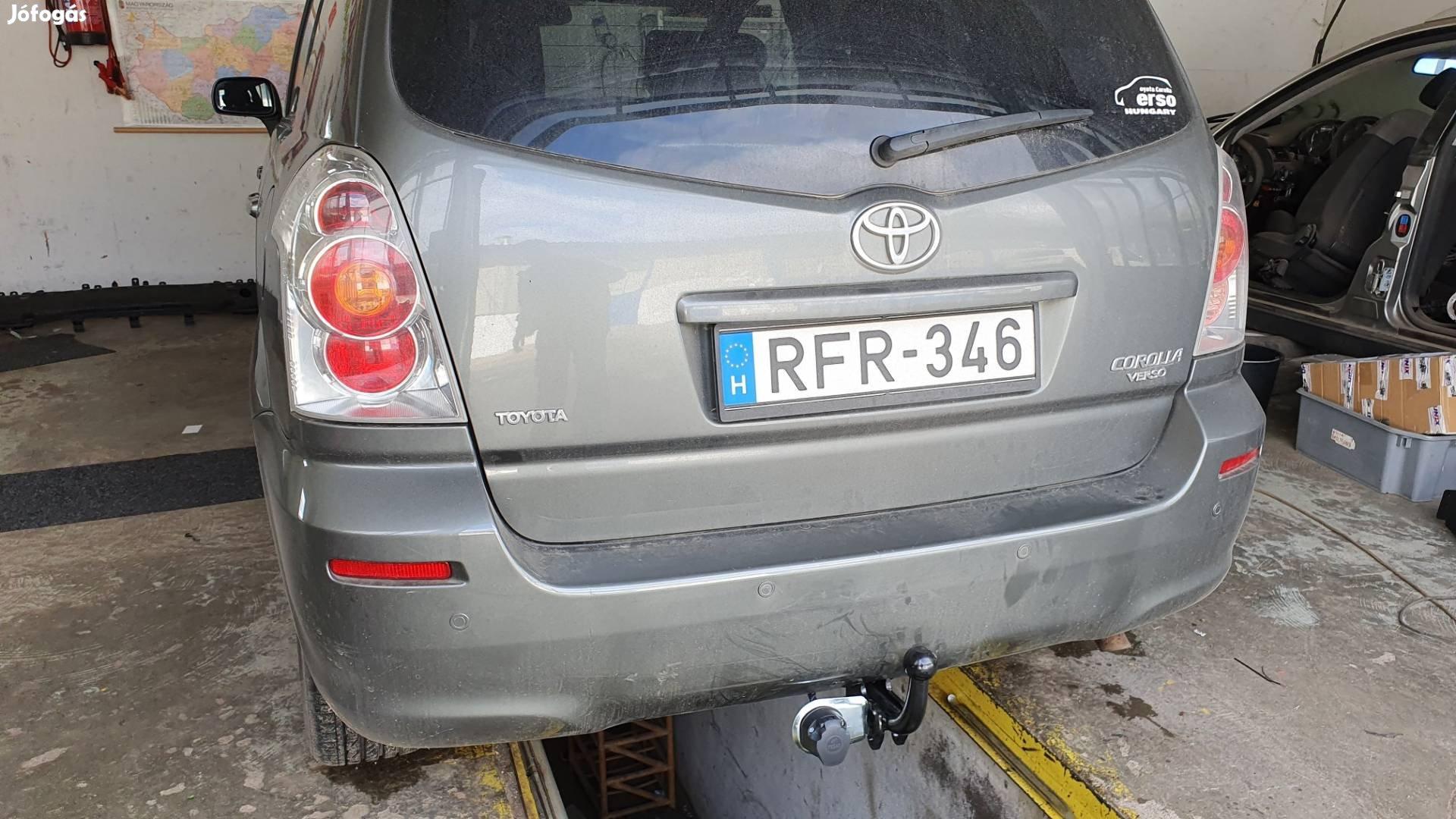 Toyota Corolla Verso vonóhorog.