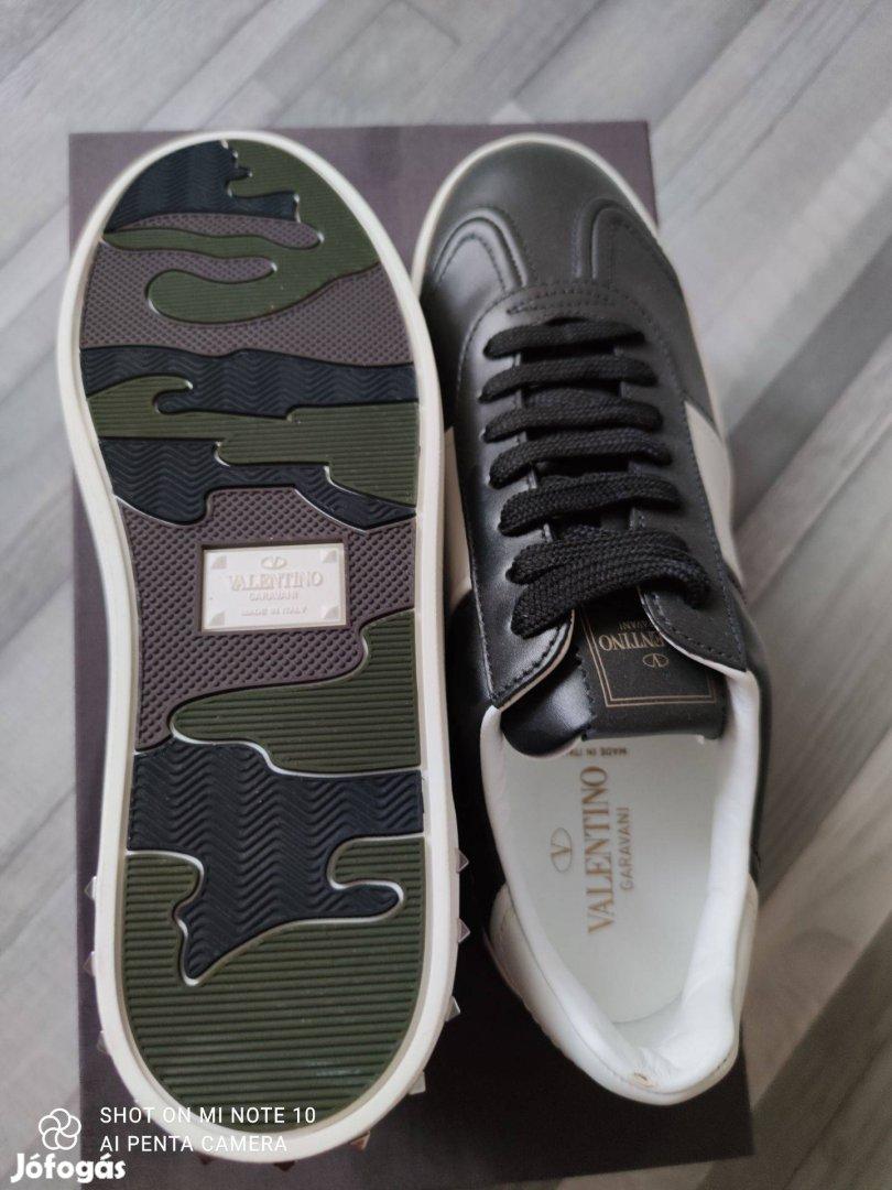Valentino Garavani férfi cipő