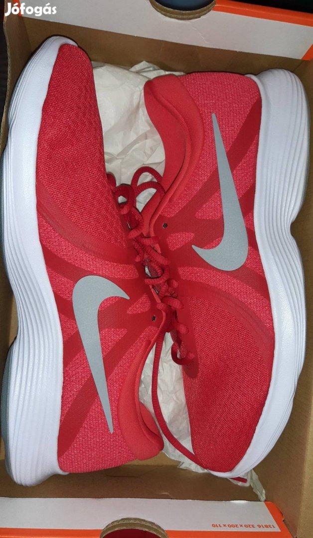 Nike Revolution 4 eu új&eredeti 43 as cipő 43