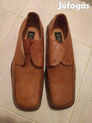 Új és használt férfi cipők hirdetései. Apróhirdetések a755b519b4