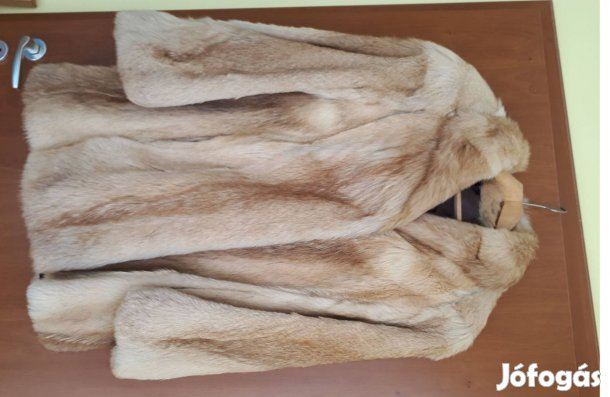 9a343e9843af Női háromnegyedes bézs színű bundakabát eladó (XL/XXL) újszerű