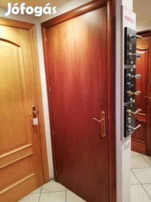Spanyol rajzos mahagóni furnéros ajtó féláron eladó, 1. Kép